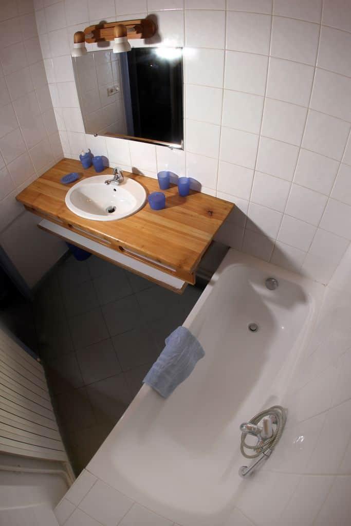 Salle de bain de l'appartement N°1