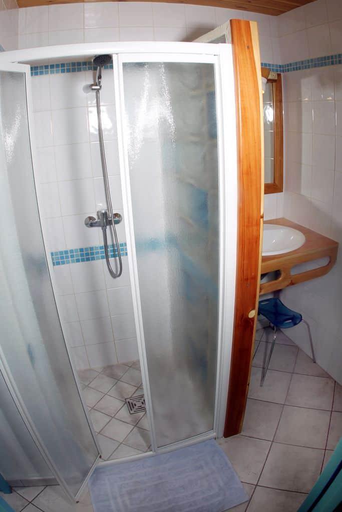 Salle d'eau de l'appartement N°5