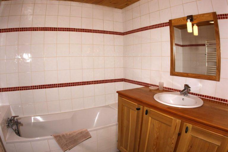 Salle de bain 2 de l'appartement N°4