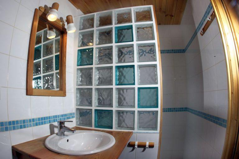 Salle d'eau de l'appartement N°4